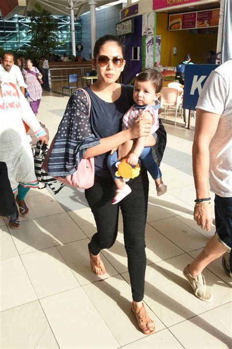 Rajut Pink 2nd shahid kapoor s mira spotted at mumbai airport where misha stole all the limelight
