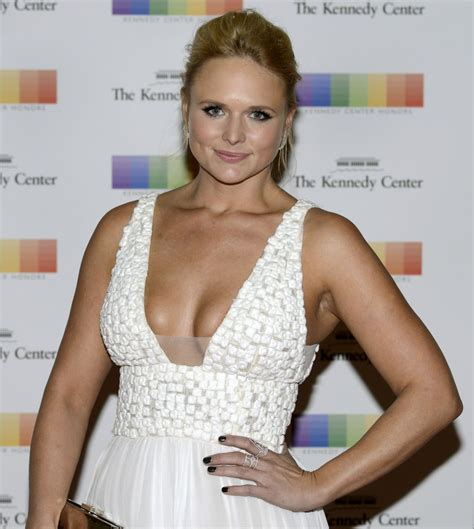 latest pictures of miranda lambert miranda lambert latest photos celebmafia