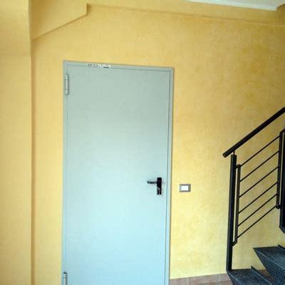 manutenzione porte rei informazione e costi per installare porta tagliafuoco