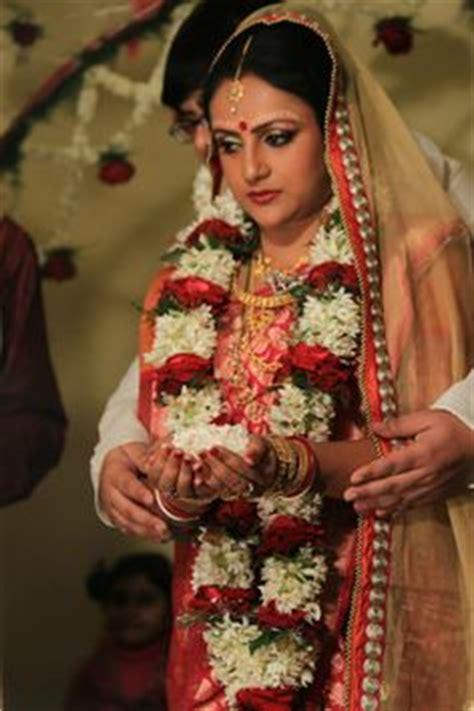 bengali wedding guide gaye holud or turmeric on the body according to the bengali tradition gaye holud tatta is