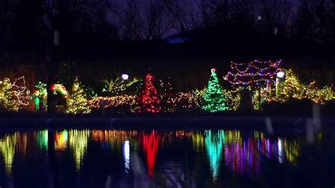 Tv Spot Holiday Magic At Brookfield Zoo Youtube Brookfield Zoo Zoo Lights