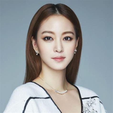skandal foto hot artis korea dan aktris cantik cina hebohkan publik 10 artis korea tercantik terseksi paling hot di tahun 2018