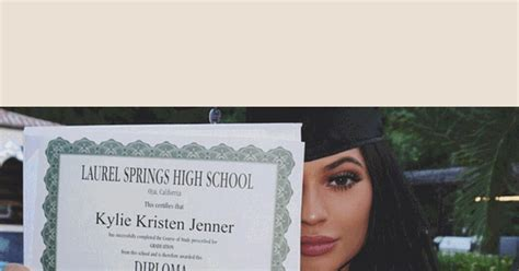 2016 Moms Picks Best Baby Kylie Jenner Celebrates Graduation At Surprise Party See
