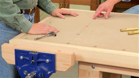 heavy duty workbench woodworking project woodsmith plans