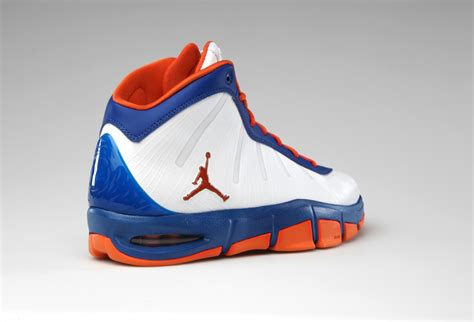 carmelo anthony new york knicks sneakers
