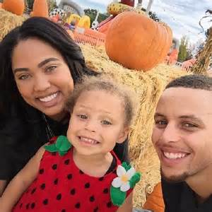 Steph curry s wife ayesha pens essay on daughter riley s