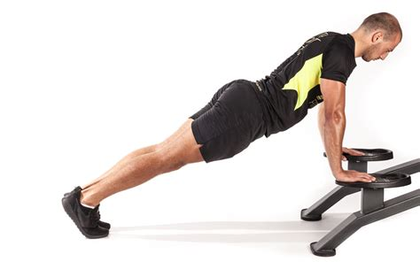 mountain climber with hands on bench mountain climbers with hands on bench total workout fitness