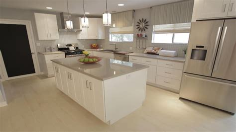 light gray kitchen cabinets with white countertops white kitchen with light grey countertops light colored