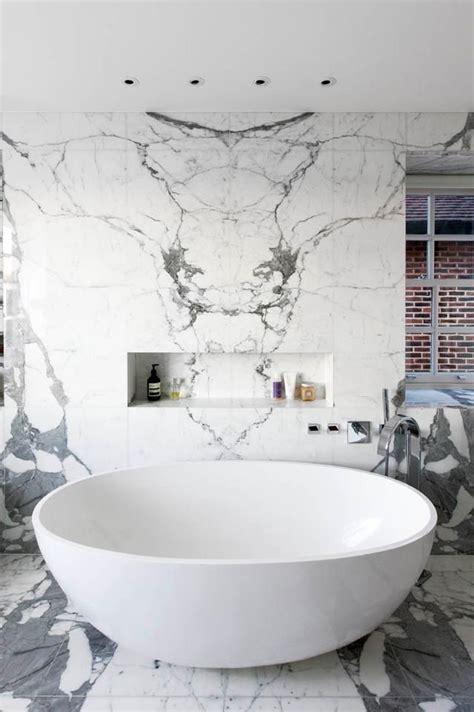 Marble Bathtubs by Best 25 Marble Bathrooms Ideas On Modern