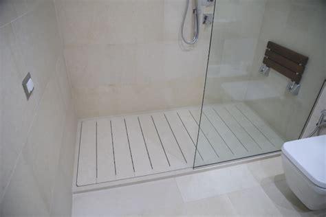 come costruire un box doccia piatto doccia a incasso in pietra