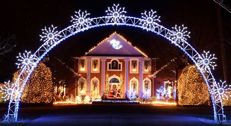 Local Light Displays Show Off Christmas Spirit News Local Lights Displays