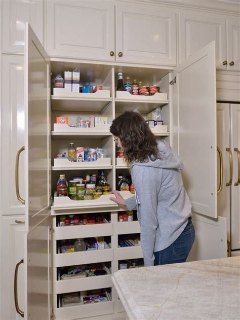 Pantry Set Up Ideas by 25 Best Ideas About Kitchen Cabinet Storage On