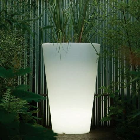 serralunga liscio illuminated outdoor planter lighted