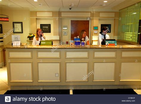 Front Desk Inn Salary by Maine Freeport Garden Inn Motel Hotel Lobby Front