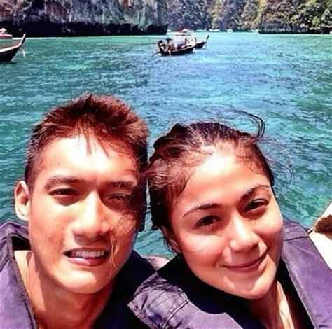 artis bergambar panas bersama kekasih 1malaysianews artis hot 5 gambar tasha shilla syok berendam air di
