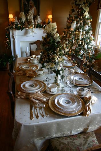 stunning round table setting christmas table settings home planning ideas 2018