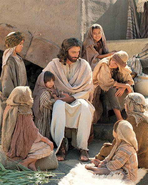 imagenes jesucristo sonriendo el toque de dios en el coraz 243 n del ser humano lo pone a