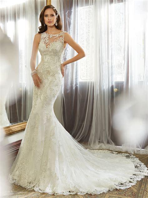 sheath wedding gown with bateau neckline