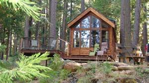 2 lakefront acres with small cabin at lake almanor
