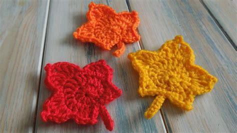il manuale dei fiori all uncinetto 1000 images about free crochet tutorials yarn scrap