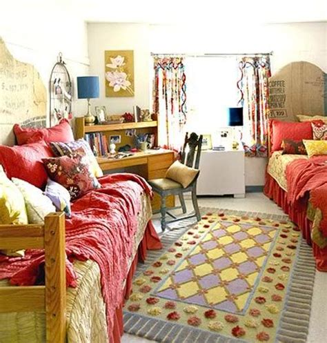 dorm bedroom ideas 5 cheap and easy dorm room decorating ideas crocktock com
