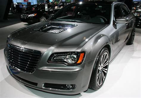 Chrysler 300 Tune Up by سيارة كرايسلر 300s طراز 2017 بنسخة رياضية جديدة