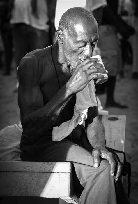 photography: semana santa, placencia — along dusty roads