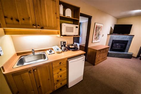 minimum age to rent a hotel room 237 big white