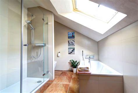 duschkabine dachschräge graue farbe schlafzimmer