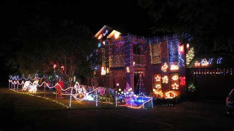 where to see the illawarra s best christmas lights