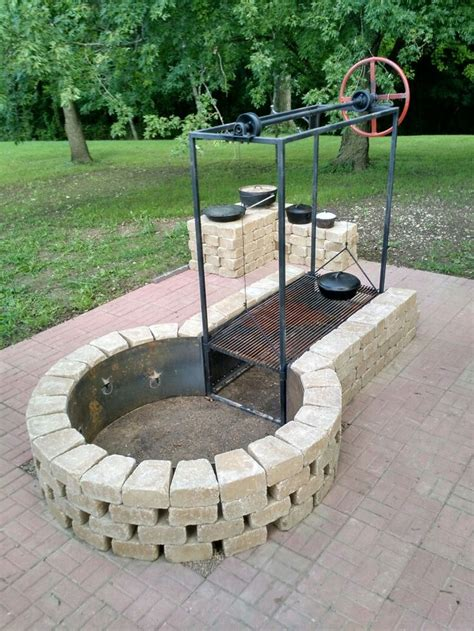 Keyhole Fire Pit With Adjustable Grille Bbq Grills Diy Patio Pit