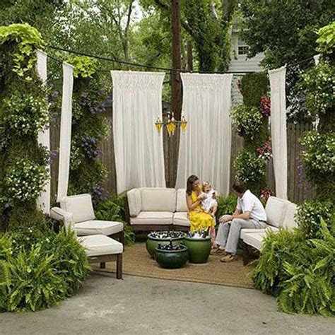 Backyard Privacy Options by 22 Simply Beautiful Low Budget Privacy Screens For Your