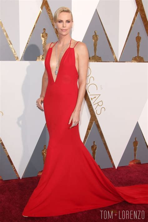 film oscar charlize theron oscars 2016 charlize theron in christian dior tom lorenzo