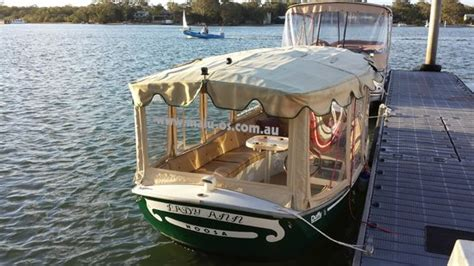 house boat noosa malu os eco boat hire noosa noosaville top tips before