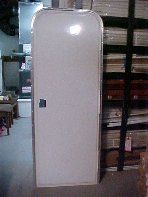 Rv Closet Doors by Rv And Trailer Entrance Doors Discount Wholesale Priced