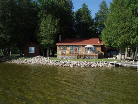 Lakefront Cottages For Rent In Michigan by Lakefront Winter Vrbo