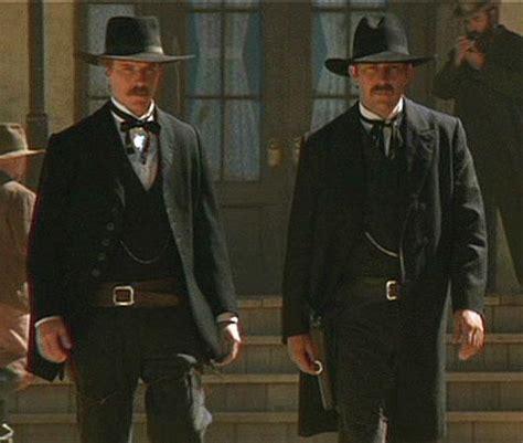 cowboy film wyatt earp imagini wyatt earp 1994 imagini justițiarul vestului