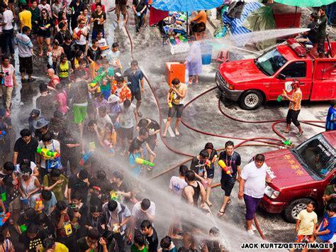 thai new year water festival songkran water festival world s water fight cnn
