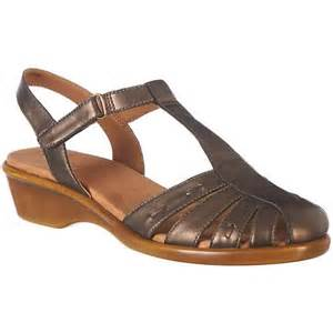 best black friday in store only deals easy spirit raisa8 womens sandals closed toe sandals