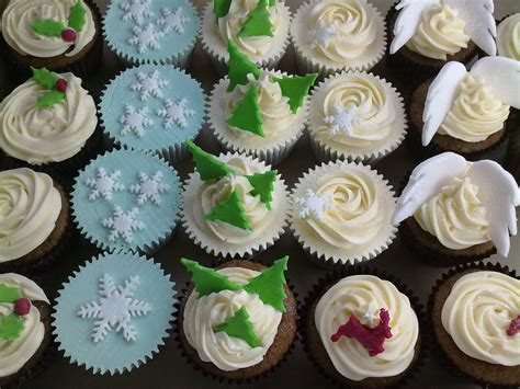pin cupcake christmas tree in decoration stuff for