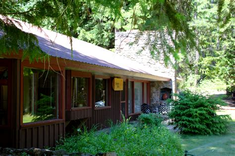 Rental Cabins In Idaho by Cabin Rentals Northern Idaho Elkins Resort On Priest Lake