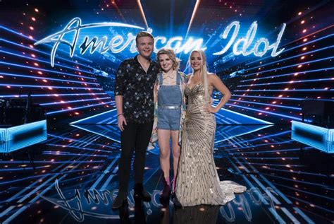 who s in the american idol top 3 2 contestants