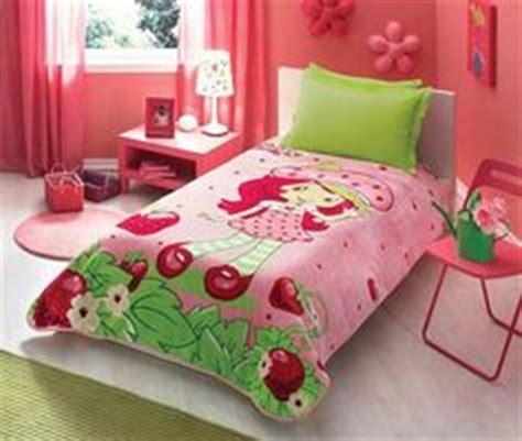 strawberry shortcake bedroom set strawberry shortcake bedrooms decor bedding set