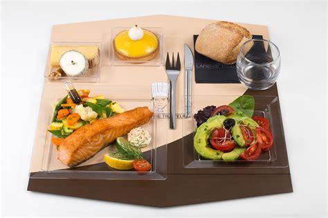 plateau repas canapé une gamme de plateaux repas savoureux pour vos r 233 unions