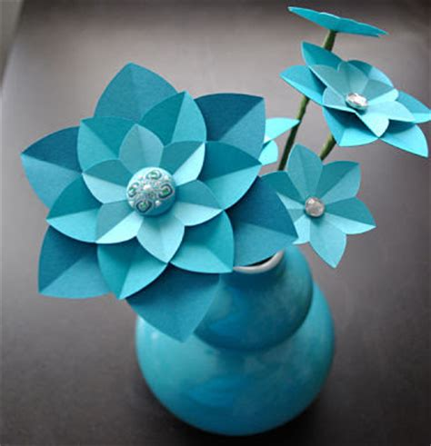 Learn How To Make Paper Flowers - do it yourself weddings want to learn to make paper flowers