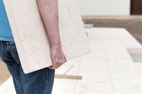 wer verlegt terrassenplatten betonsteine verlegen 187 anleitung in 4 schritten