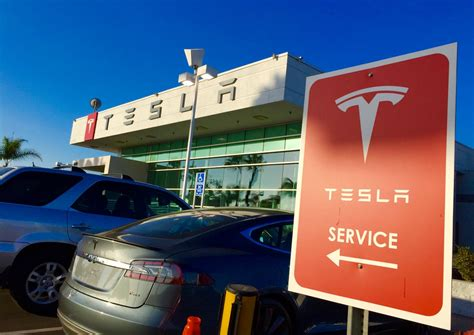 Tesla Service Center Tesla Record Breaking Deliveries Will More Service