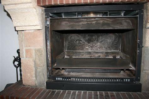 comment demonter une cheminee avec insert comment remplacer la vitre d un insert de chemin 233 e