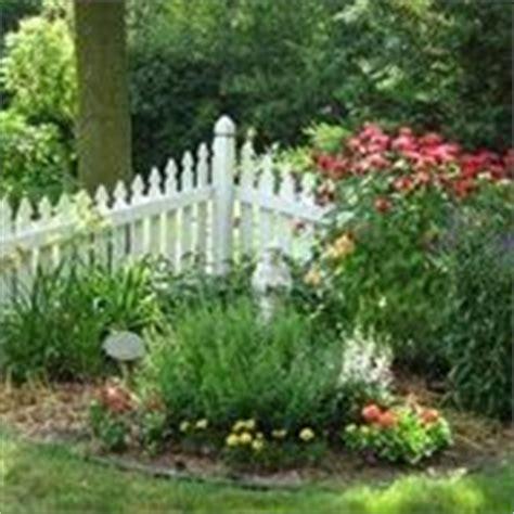 come creare un giardino fiorito come arredare un giardino giardino fai da te