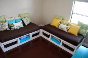 Daybeds Diy Two Daybeds White Woodworking Projects